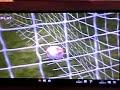 [ゲーム]ウイイレでのレアな珍プレー「オフサイドをアピールした手でオウンゴール」のサムネイル3
