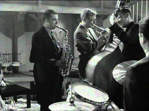 raggy - This is a rare clip from a 1962 movie in which Dave Brubeck performs