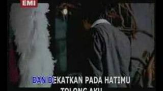 Download lagu Tahta Tempat Yang Paling Indah Mp3