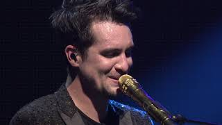 Video Panic! At The Disco - Bohemian Rhapsody (Live) [from Sydney for the American Music Awards] MP3, 3GP, MP4, WEBM, AVI, FLV April 2019