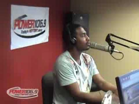 Bill Bellamy in Power 106.9 studio (Omaha)