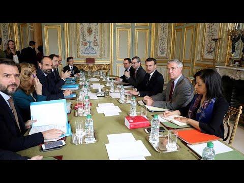 Frankreich: Krisentreffen - Pariser Polizeipräsident  ...