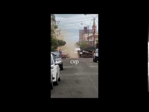 Cano de gás explode no Centro de São Carlos-SP