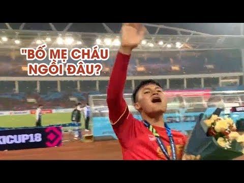 """Quang Hải chạy khắp sân Mỹ Đình hỏi """"BỐ MẸ CHÁU NGỒI ĐÂU?"""" - Thời lượng: 1:50."""