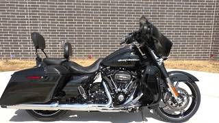 6. 961096   2017 Harley Davidson CVO Street Glide   FLHXSE - Used motorcycles for sale