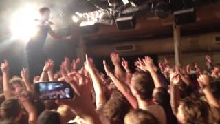This clip is edited with the live images of 3 iPhones. During their last concert in the old concerthal of Tivoli Utrecht, Holland the 4 Members of the Dutch Hip Hop band 'De Jeugd Van Tegenwoordig' are Crowdsurfing from stage to the bar.