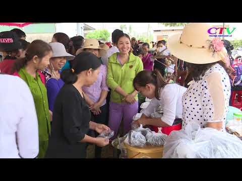 Hội Phụ nữ Cam Nghĩa tổ chức hội chợ quê