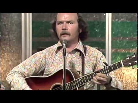 Tom Paxton - There Goes the Mountain (Live 1976) (видео)