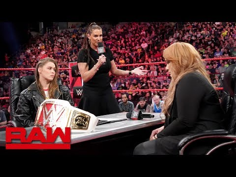 Ronda Rousey vows to take Nia Jaxs arm and her title: Raw, May 21, 2018_Sport videók