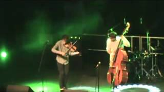 http://www.facebook.com/joelviolinSoo this is a result of experimenting with Balkan/Klezmer music recently, and still very much in the development stage. Sorry about the dodgy video/sound quality!