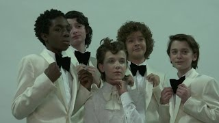 Video Stranger Things cast interview about Season 2, superpowers & fame MP3, 3GP, MP4, WEBM, AVI, FLV Mei 2017