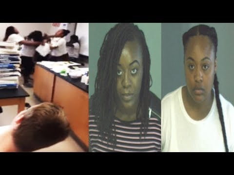 Ghetto GA~Middle School Students Try To Break Up Brutal Fight Between Two Female TEACHERS