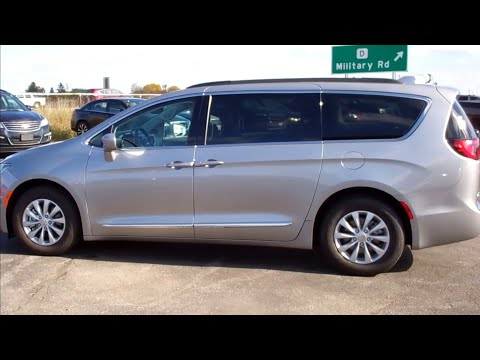 SOLD! 7C2A 2017 CHRYSLER PACIFICA TOURING L $29,499 www.SUMMITAUTO.com