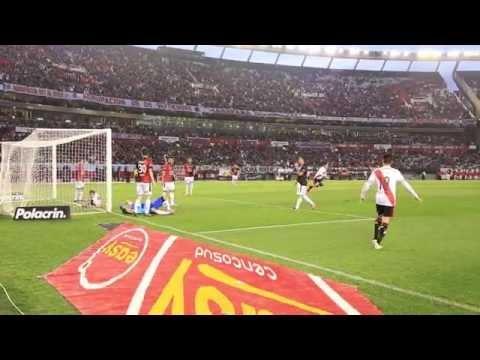 El gol de Driussi a Col�n, desde el campo de juego