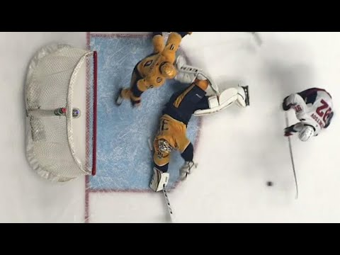 Video: Capitals' Kuznetsov can't lift puck over sprawled out Predators' Rinne