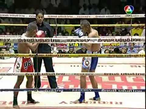 levidspot - good muay thai fight.