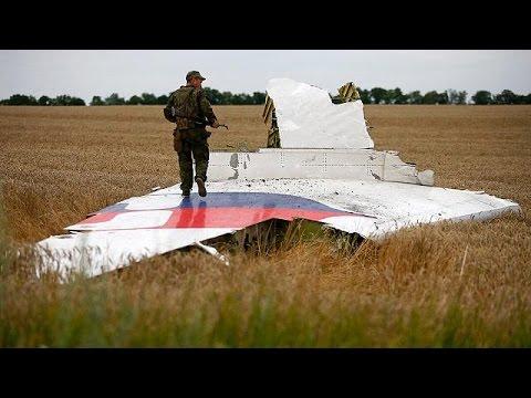 Πτήση MH17: Ενδείξεις για θραύσματα ρωσικού πυραύλου στο σημείο της συντριβής