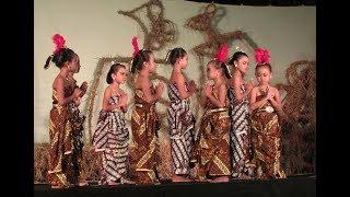 """Tari Lagu Dolanan Anak """"Padhang Bulan"""". Yo Prokonco Dolanan Ing Njobo Download MP4 HD Video, MP3 lengkap dengan lirik. -- Tari tradisional anak kecil Indonesia by Sanggar Tari Arimbi dan Pandu Wedding Studio"""