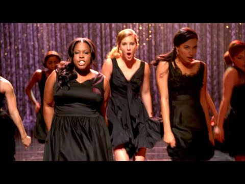 "GLEE - Full Performance of 'Rumour Has It/Someone Like You"" from ""Mash Off"""