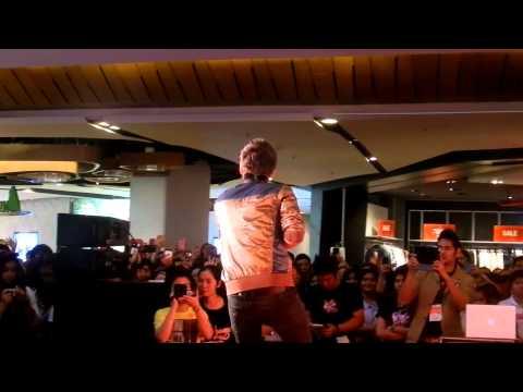 [fancam] แกงส้ม - รักเธอ 24 ชม. @ Cenlad (видео)