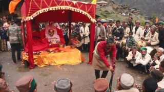 Uttarkashi India  city photos gallery : Traditional Garhwali Bishu Mela | Phetari Gaon, Uttarkashi - India