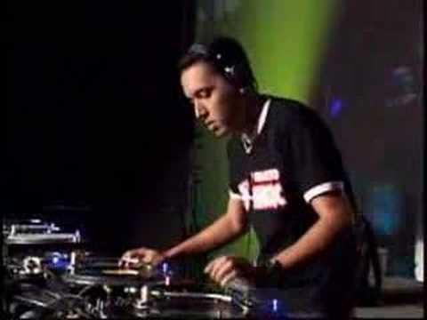 DJ Marquinhos Espinosa no Skol Beats 2007