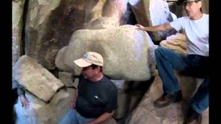 Download Lagu Joshua Tree, Secret cave passages at Hidden Valley Camgrounds Mp3