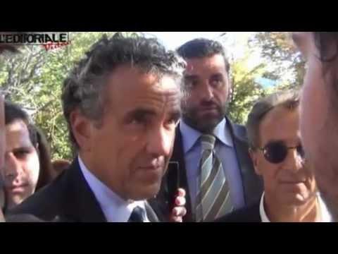Il Ministro Barca incontra i precari del Comune dell'Aquila (parte terza)