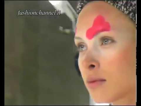 """""""Daniela Gregis"""" Autumn Winter 10-11 Milan 2 of 4 pret a porter women by FashionChannel видео"""
