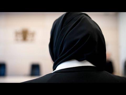 Urteil zum Verbot: Mit Kreuz, aber ohne Kopftuch