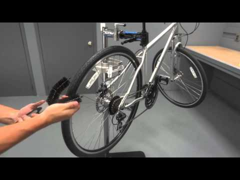 White Lightning - Easy Clean Tire Brush