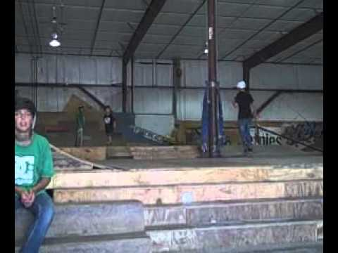 6 year old skateboarding - Korey Frank - Dubuque IA- Davenport IA - 4 Seasons Skatepark