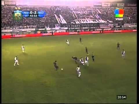 Gol de Pablo Velázquez