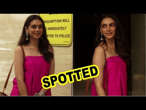 Aditi Rao Hydari Spotted At Juhu