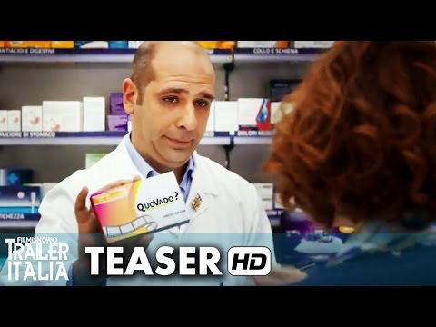 Preview Trailer Quo vado?, clip in farmacia
