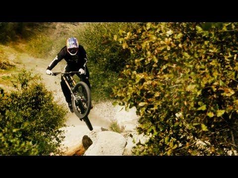 Aaron Gwin Blazes a Downhill MTB Trail
