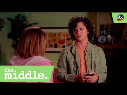 Axl and Sue Can't Find Their Parents -The Middle