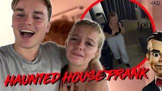 Video HAUNTED HOUSE PRANK ON LITTLE SISTER! MP3, 3GP, MP4, WEBM, AVI, FLV Oktober 2018