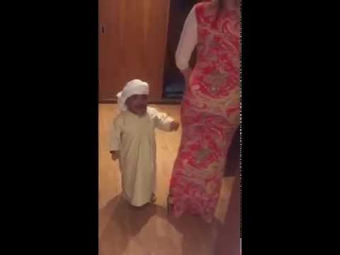 Short Arab guy with HOT Babe - Very Funny Viral Video - 2015