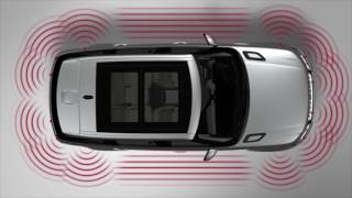 The Range Rover Sport has many features to aid parking your vehicle including a 360-degree exterior view through the touchscreen. This tutorial will show you how the surround camera system and parking aids can help you maneuver your vehicle and how the 360 parking aid works.Join the conversation:http://Facebook.com/LandRoverUSAhttp://Twitter.com/LandRoverUSAhttp://Instagram.com/LandRoverUSA