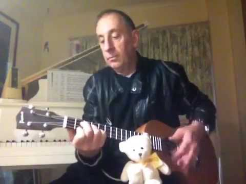 Simon Smith and the Amazing Dancing Bear  Baritone Ukulele Tutorial (with bear) John Sharpe
