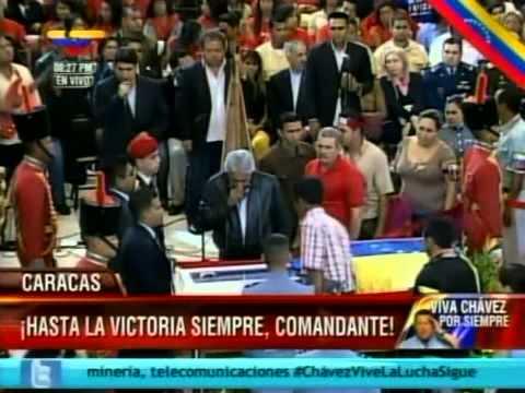Reynaldo Armas y Adelis Chávez le cantan música llanera al Comandante Chávez