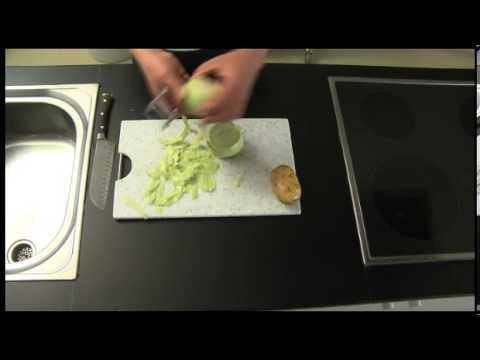 Rohschinken - Kochen mit GORILLA! Sandro Heimberg zeigt dir, wie du Kohlrabisuppe mit Rohschinken machen kannst (Teile 1-7). GORILLA für mehr Uga-Uga im Leben! www.gorilla.ch.