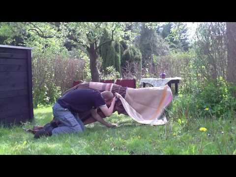 Zaubertricks zum Nachmachen – Levitation (Menschen schweben lassen) Lustige Videos zum totlachen