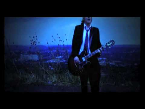 Etienne Steyn – Happy Dayz – [Official Music Video]