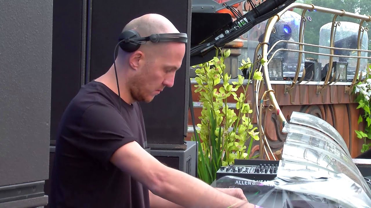 Julian Jeweil - Live @ Tomorrowland Belgium 2015