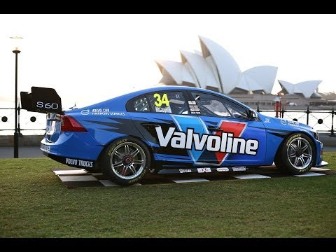 Volvo S60 V8 Supercar Goes Across The Sydney Harbor Bridge