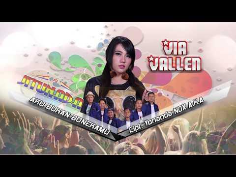 Video Via Vallen - Aku Bukan Bonekamu (Official Music Video) download in MP3, 3GP, MP4, WEBM, AVI, FLV January 2017