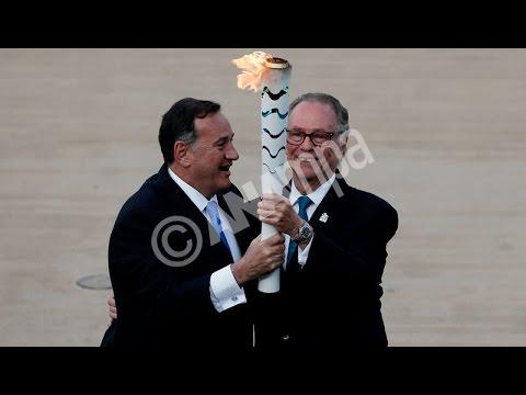 Η Αθήνα παρέδωσε την Ιερή Φλόγα στο Ρίο