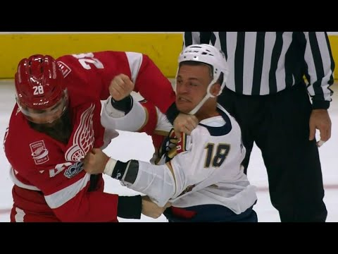 Video: Witkowski returns from 10-game suspension to fight Panthers' Haley